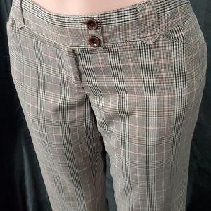 No Boundaries Pants & Jumpsuits - No Boundaries Capris